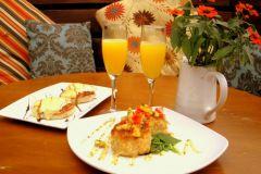 Restaurant & Club